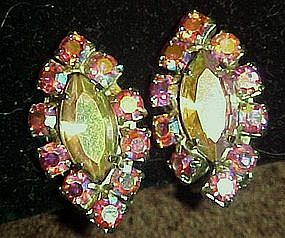 Vintage  pink aurora rhinestone earrings, clip on