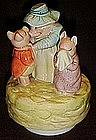 Aunt Pettitoes and pigs music box by Schmid