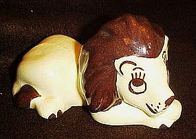 Walker pottery lion igurine