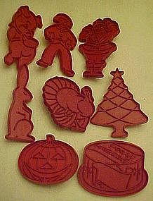 Set of 8  Tupperware Holiday cookie cutter assortment