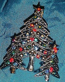 Awesome rhinestone Christmas tree pin