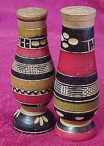Wood souvenir salt and pepper shakers, Mexico