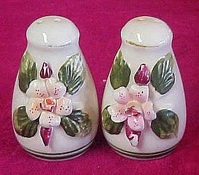 applied porcelain flower salt and pepper shaker set