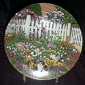 Floral Purr-fume cat plate, Higgins Bond, Garden Secret