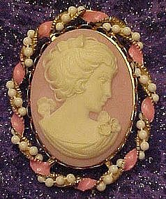 Vintage Simulated pink cameo pin