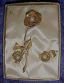 Vintage Coro golden rose pin