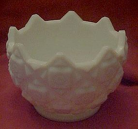 Westmoreland old quilt pattern, milk glass bowl
