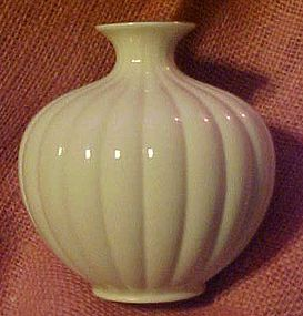 Lenox fine china melon vase, gold trim, USA