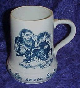 Porcelain Norge dancing trolls mug, Gler and  Postulin