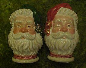Nice Santa Claus head salt and pepper shakers