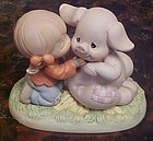 Precious Moments Hogs and kisses figurine #261106