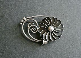 Georg Jensen La Paglia Designed Sterling Brooch 106 Modernist