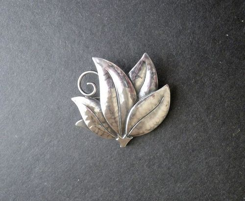 JoPoL Joan Polsdorfer Hammered Sterling Brooch Arts and Crafts
