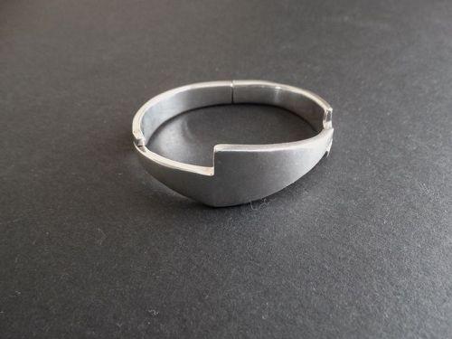 Sigi Pineda Sterling Modernist Hinged Bracelet Taxco #427 Eagle #36