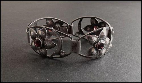 Bjarne Meyer Handwrought Sterling Silver Bracelet Garnets Floral A & C