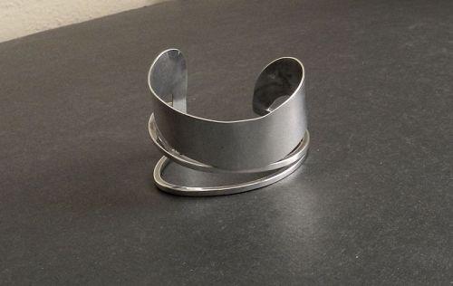 Vintage Modernist Idella La Vista Cuff Bracelet Sterling Hand wrought