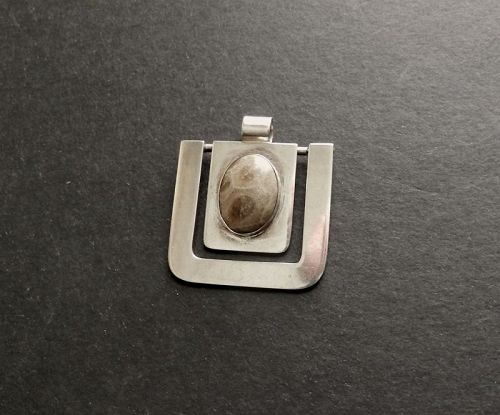 Vintage Joaquin Tinta Ecuador Sterling and Stone Pendant Modernist