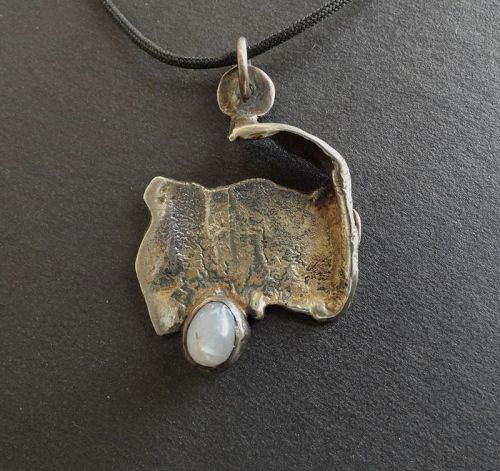 JENS Iceland Sterling Abstract Modernist  Pendant with Tumbled Agate