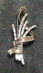 """Trifari """"Meteor"""" baguette pin"""