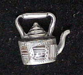Scottish sterling & agate kettle charm