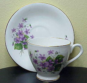 Regency purple violets green leaves scallop cup & sauce