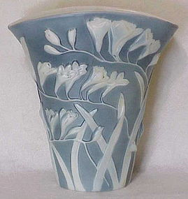 "Phoenix sculptured artware ""freesia"" fan vase blue wash"