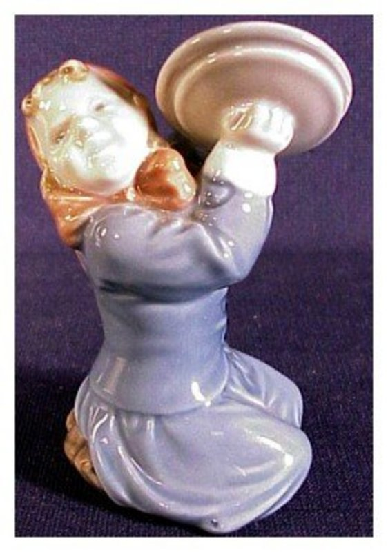 Royal Copenhagen Girl with pot covers # 3677