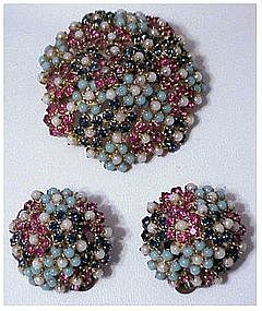 Ciner Brooch & earrings (attributed to)