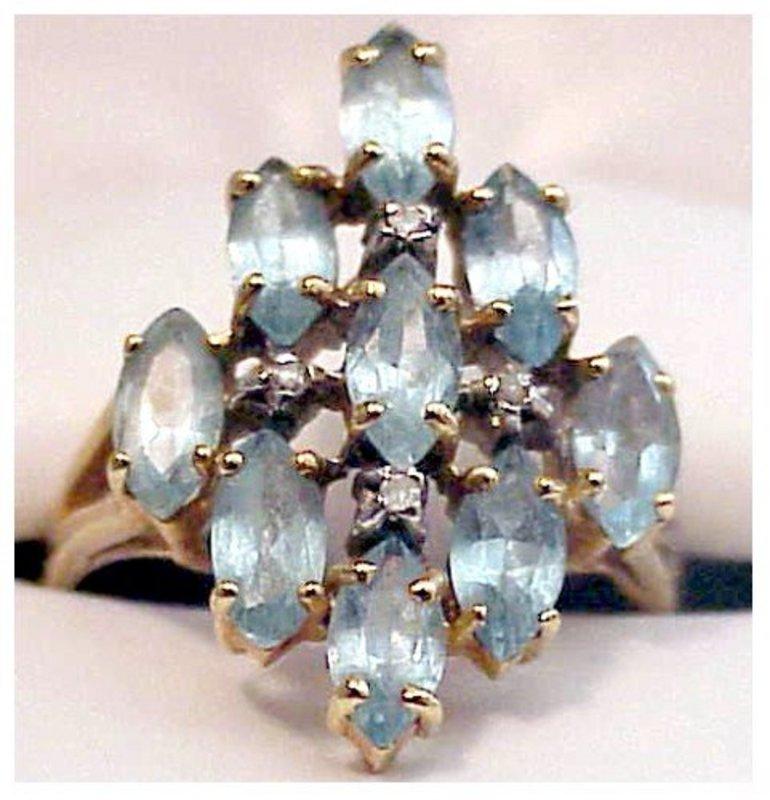 10K 9 stone marquise aquamarine ring [2.7 cts)