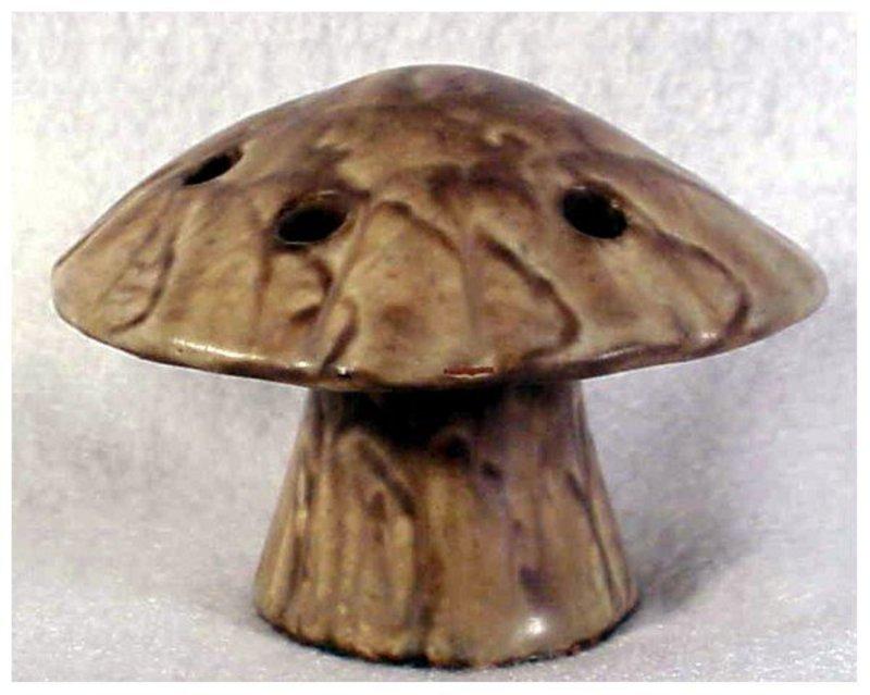 Peters & Reed Landsun Mushroom Flower Frog