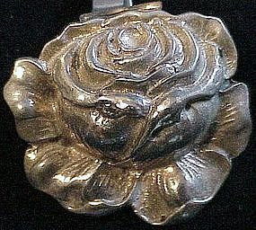 Cini sterling: rose fur clip