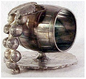 Victorian Standard Silver Grapes napkin ring #733