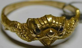 Ring depicting a gargoyle in 15K gold