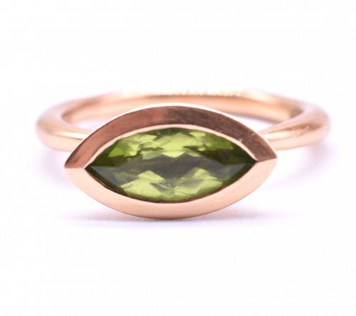 C1900 18K Peridot Ring