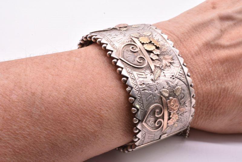 C1880 Floral Vase Bangle Bracelet