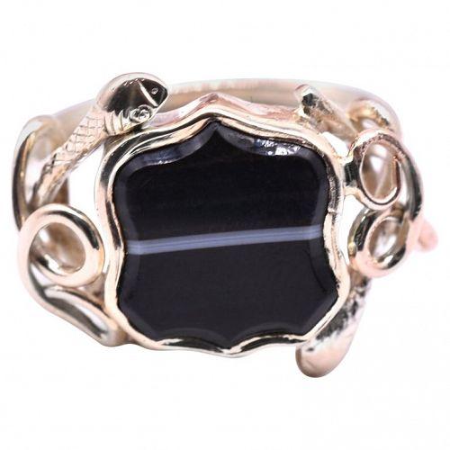 C1880 15K signet SNAKE & AGATE ring