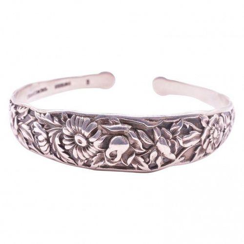 C1920 S. Kirk & Sons Inc. Sterling Silver Repousse Bangle Bracelet