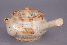 Attractive Shino Kyusu Teapot, Incised Artist Signature