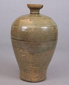 Korean Early Koryo Dynasty Celadon Maebyeong Vase