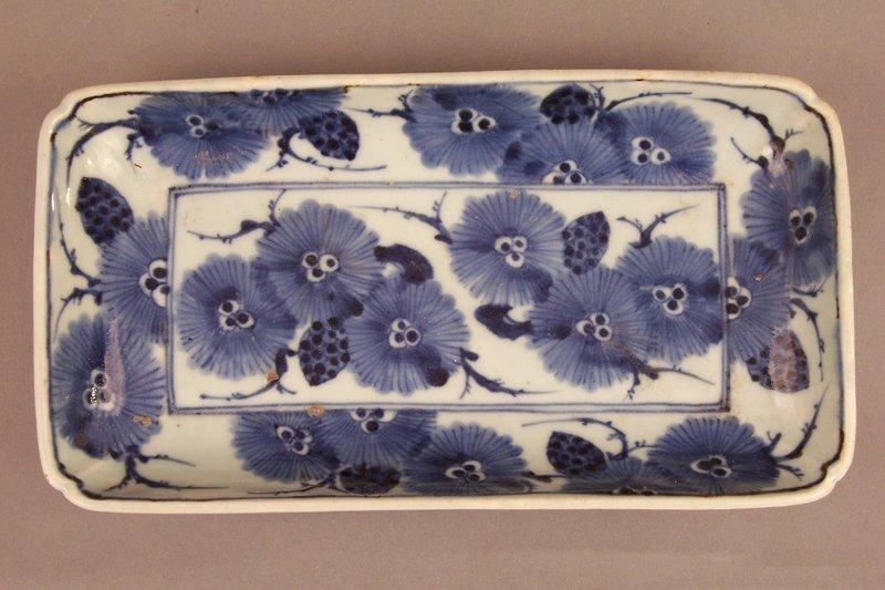 Japanese Ko-Sometsuke Porcelain Nagazara Tray Form Dish