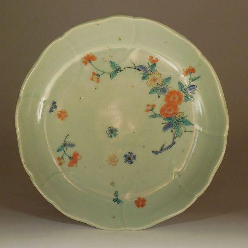 Unusual Arita Ware Foliate Rim Kakiemon Style Celadon Porcelain Dish