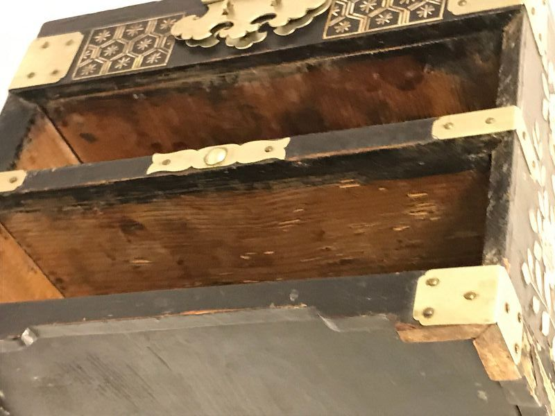 Korean, Joseon Dynasty MOP Inlaid Lacquer Cosmetic and Mirror Chest