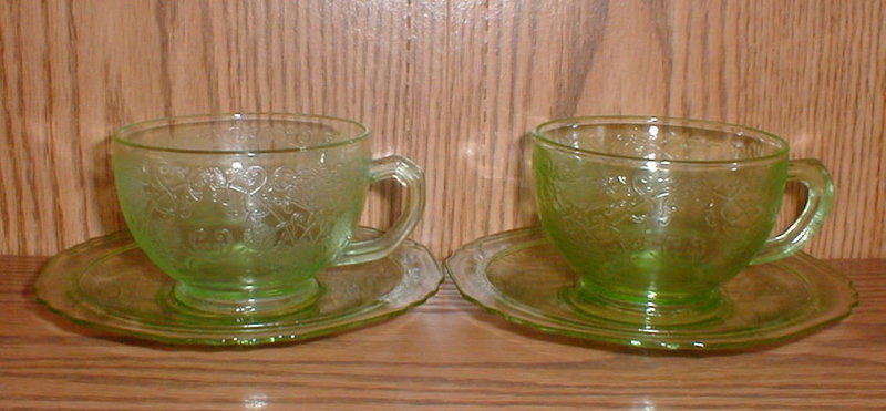 Green FLORENTINE #1 Cups & Saucers