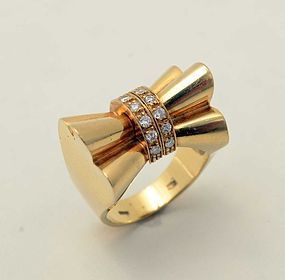 Retro Gold and Diamonds Bow Ring: Circa 1940