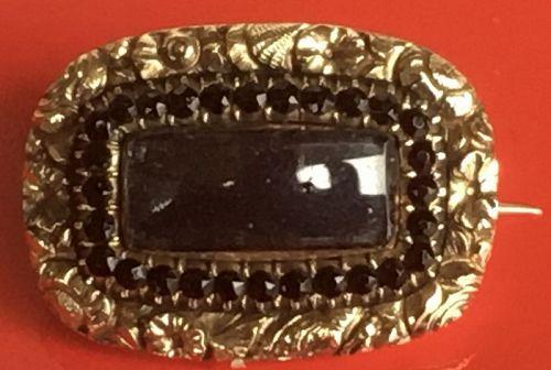 A fine Georgian gold hair locket