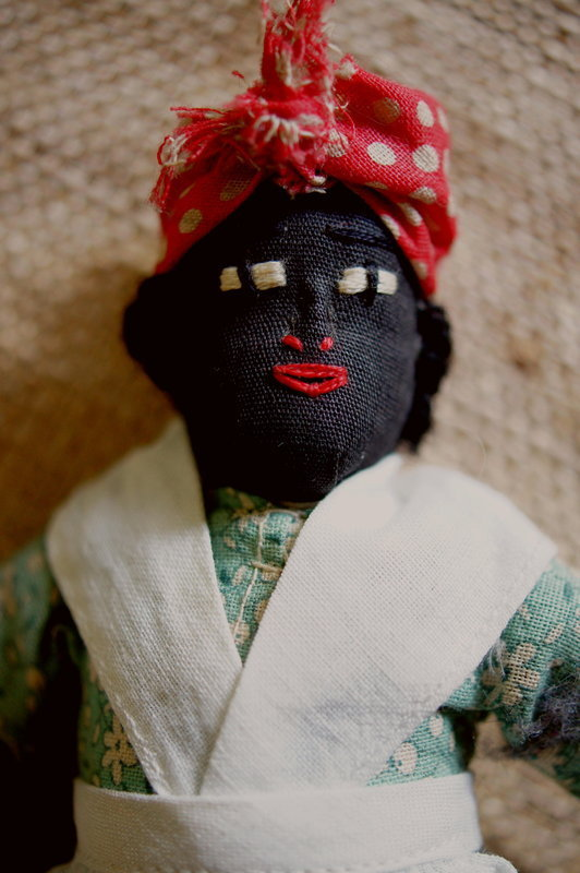 C1920 Handcrafted Cloth Black Mammy Clothespin Doll