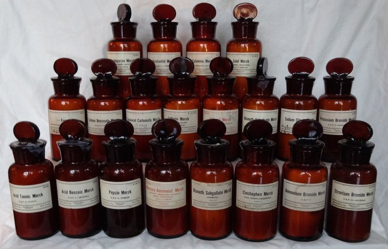 18 Circa 1900 Fancy Merck Dispensing Pharmacy Apothecary Bottles