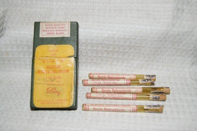 3 Narcotic Poison Codeine Digitalis Hypodermic Tablet Bottles