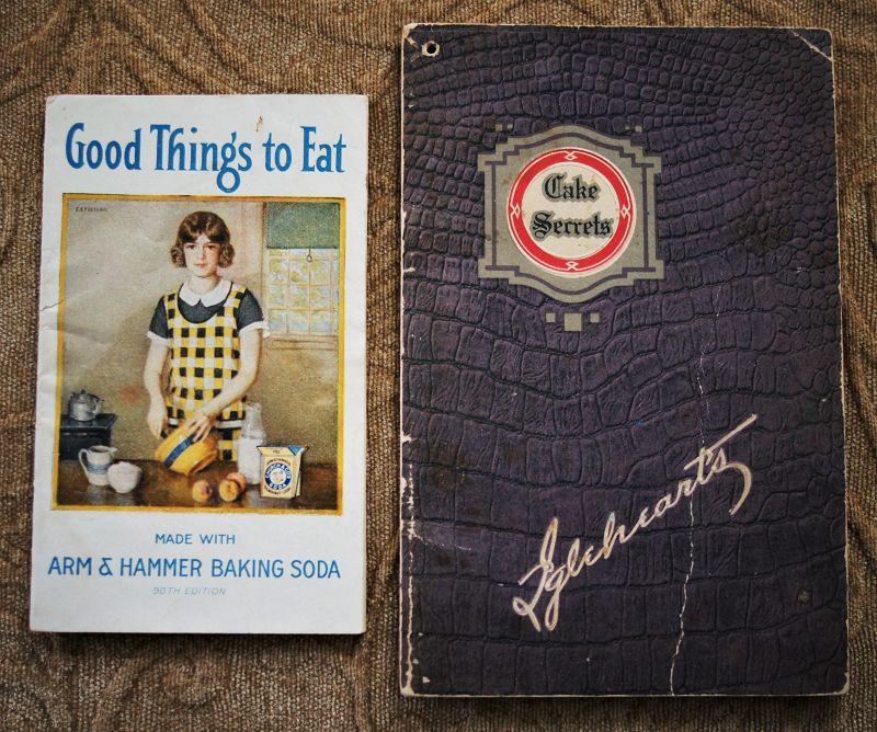 1920s Arm + Hammer Swans Down Cake Flour Advertising Recipe Books