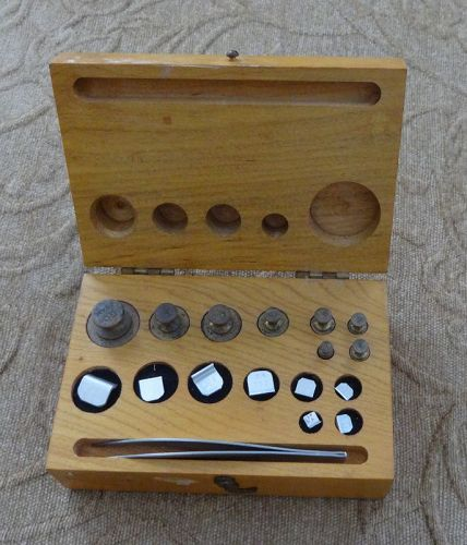 Complete Set 1940-50s Troemner Philadelphia Pharmacy Scale Weights